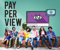 Conceito satisfeito da observação da lente de aumento do pay-per-view Imagens de Stock