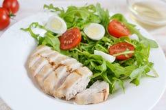 Conceito saudável da salada de frango Fotos de Stock