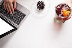 Conceito saudável do blogue do estilo de vida da bebida do alimento do fruto imagem de stock