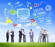 Conceito social de uma comunicação empresarial dos meios da rede social Imagens de Stock