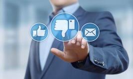 Conceito social do Internet do negócio do feedback do botão do desagrado imagem de stock