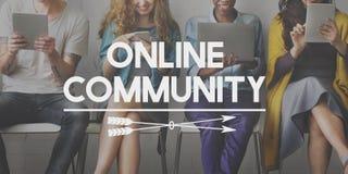 Conceito social dos trabalhos em rede dos meios da conexão da comunidade online fotos de stock royalty free