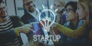 Conceito Startup da faculdade criadora das ideias da ampola imagem de stock royalty free