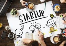 Conceito Startup do gráfico do planeamento empresarial dos povos das ideias imagem de stock