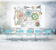 Conceito Startup tirado em uma placa branca em uma sala de conferências Imagens de Stock
