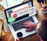 Conceito Texting de uma comunicação da conexão da mensagem nova Fotos de Stock