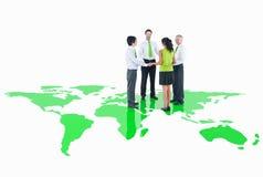 Conceito verde global do ambiente da cooperação do negócio Fotografia de Stock