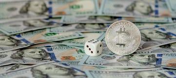 Conceitos de jogo Os homens de negócios estão jogando no casino Apostar é um jogo para acionistas fotos de stock