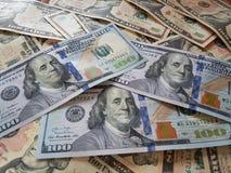 Conceitos do negócio, fundo, investimento da finança e troca de dinheiro: Dinheiro americano do dólar pronto para investir em tod foto de stock