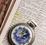 Conceitos e símbolos, relógio de bolso e dicionário, definição de imagens de stock royalty free