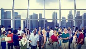 Conceitos globais da cidade de uma comunicação dos povos foto de stock