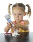 Concentración de la crema dental imagen de archivo libre de regalías