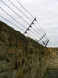 Concentratiekamp - prikkeldraad Stock Foto