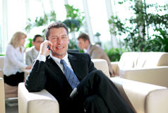 Concentrating businessman on call Royalty Free Stock Photos