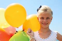 Concep d'été, de célébration, de famille, d'enfants et de personnes Images stock