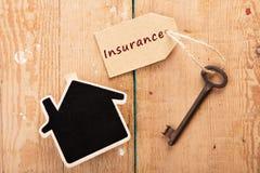 Concept à la maison d'assurance images stock
