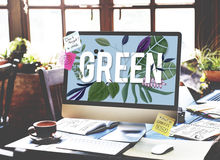 Concept écologique d'environnement de vert de jour de terre Photographie stock