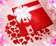 Concept actuel de vacances d'amour de jour du ` s de valentine de carte de voeux de boîte Photographie stock