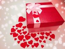 Concept actuel de vacances d'amour de jour du ` s de valentine de carte de voeux de boîte Photos libres de droits