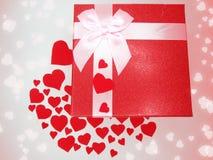Concept actuel de vacances d'amour de jour du ` s de valentine de carte de voeux de boîte Image stock