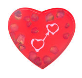 Concept affectueux de coeurs avec des pétales de rose Photographie stock