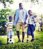 Concept africain d'activité de vacances de vacances de bonheur de famille Photographie stock