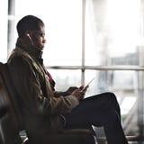 Concept africain d'Using Digital Tablet d'homme d'affaires Images stock