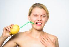 Concept aigre de goût Recette de limonade sans suppléments Vrai goût de sensation Mode de vie sain et nutrition organique images stock