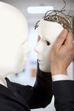 Concept artificiel d'homme - clone androïde de prises de robot d'hommes d'affaires Images stock
