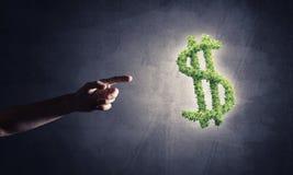 Concept bankwezen en investering door groene dollar wordt voorgesteld die symb Royalty-vrije Stock Foto