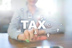 Concept BELASTING door individuen en bedrijven wordt betaald dat vat Inkomen en vermogensbelasting stock afbeelding