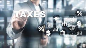 Concept belastingen door individuen en bedrijven zoals vat, inkomen en vermogensbelasting wordt betaald die Belastingsbetaling De stock foto