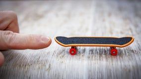 Concept bevordering en aanvang de vinger duwt weinig vleet FO royalty-vrije stock foto