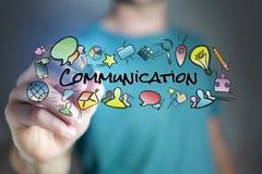 Concept communicatie van de mensentekening titel en van verschillende media pictogrammen Stock Fotografie