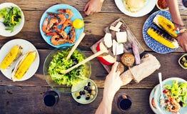 Concept délicieux de repas de partie de célébration de Tableau de nourriture Photos stock