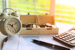 Concept d'économie et d'opérations bancaires photographie stock libre de droits