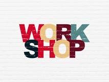 Concept d'éducation : Atelier sur le fond de mur Photographie stock libre de droits