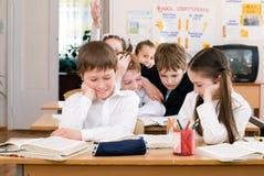 Concept d'éducation - instruisez les étudiants à la classe image stock