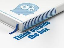 Concept d'éducation : réservez la tête avec des vitesses, pensez en dehors de la boîte sur le fond blanc photos stock