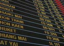 Concept d'affaires d'aéroport de voyage de vol : Conseil de vol d'aéroport Photographie stock libre de droits
