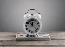Concept d'affaires d'argent de temps Photo stock