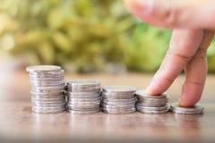 Concept d'affaires de gagner ou d'enregistrer l'argent sur l'investissement image stock