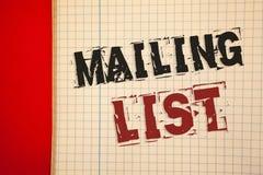 Concept d'affaires de liste d'adresses des textes d'écriture de Word pour des noms et adresse des personnes vous allez envoyer qu photo stock