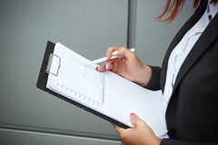 Concept d'affaires de succès et de croissance Un patron réussi de femme, Images libres de droits
