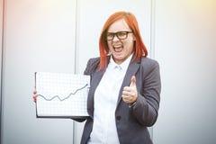 Concept d'affaires de succès et de croissance Un patron réussi de femme, Photos stock