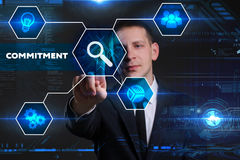 Concept d'affaires, de technologie, d'Internet et de réseau Jeune busine Images stock