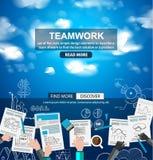 Concept d'affaires de travail d'équipe avec le fond de croquis de griffonnages Photos stock