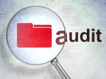 Concept d'affaires : Dossier et audit avec le verre optique Photos libres de droits