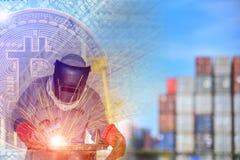 Concept d'affaires industrielles avec le foyer de technicien sur le processus de soudure illustration stock