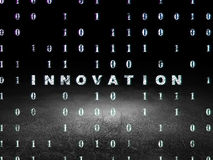 Concept d'affaires : Innovation dans la chambre noire grunge Images stock